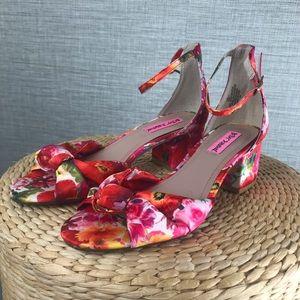 Betsey Johnson Ivee Ankle Strap Floral Sandals 7